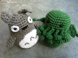 Totoro and Cthulhu by capotasto