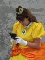 Fanime 2010 - Princess Daisy 4 by Cosphotos