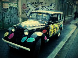Car parked in Paris by FastDevil76