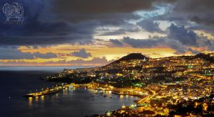 Night in Funchal - Madeira by MKaRtE