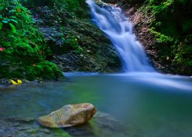Waterfall Devil's Mill by lica20