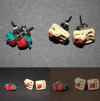 Waffle/ Strawberry earrings by TigrisVallis