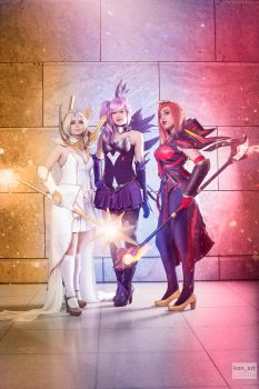 Elementalist Lux Cosplay Group by x3SamyPamy3x