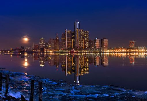 Moon setting over Detroit by DocZ65