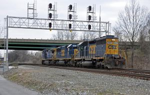 CSXT 8447(SD40-2) by jhg162
