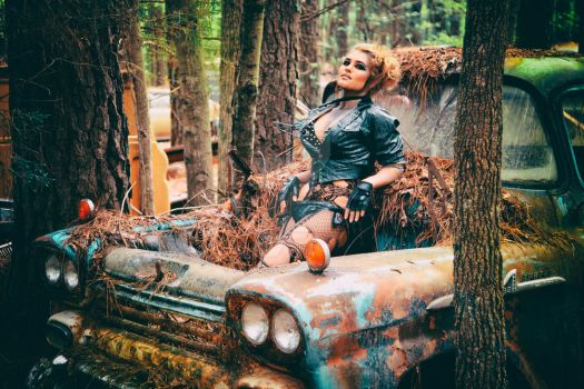 Nikki Nuke'm at Old Car City USA - III by DimHorizonStudio