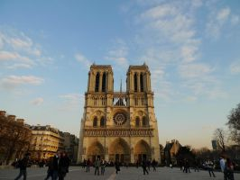 Notre Dame de Paris by connie919