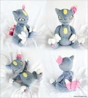 Sneasel Plush by xBrittneyJane