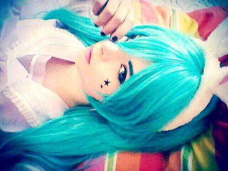 hatsune miku cosplay by zucoraOfficial