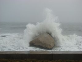 Nor-Easter Splash by KRhanson