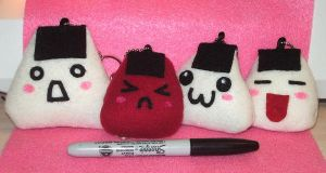 Onigiri Plushies by Akusesu