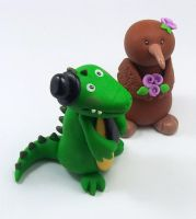 Crocodile and Kiwi Bird Wedding Cake Topper by HeartshapedCreations
