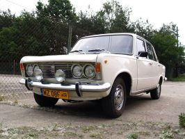 Polski Fiat 125P in colour by XYZ-Petter