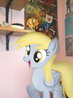 Derpy's happy by InvaderChaoticCandy