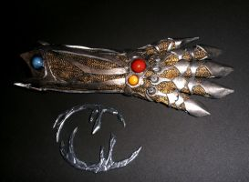 1.0 - Witchblade gauntlet by LadyCerbero