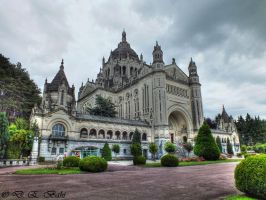 Basilique Sainte-Therese by debahi