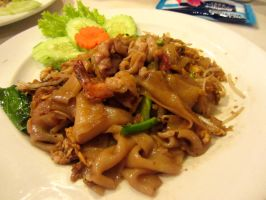 Thai Fried Flat Noodles with Seafood by nosugarjustanger