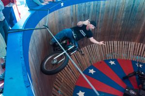 The wall of death by speedofmyshutter