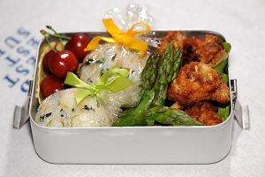 picnic bento with chicken by sushi-counter
