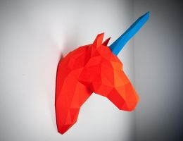 Papertrophy unicorn by Papertrophy