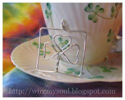 Silver Shamrock Wire Pendant by WireMySoul