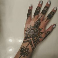 Recent Henna with Newest Nails by LaYegua