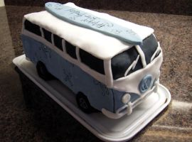 VW Camper cake by InvisibleSnow