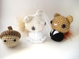 Bride and Groom Squirrelies by MoonYen