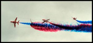 Red Arrows 2 by TheFoolInTheRain