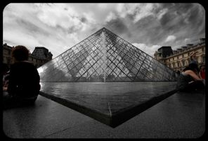 Louvre, Paris by fL0urish