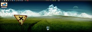 Windows 7 RTM Desktop - Clean by Se7enIIIX