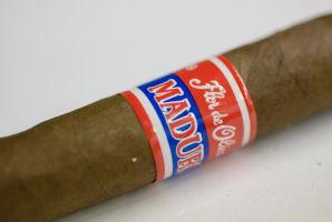 Cigar 1 by IanTheRed