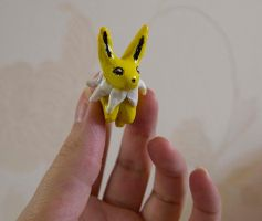 Jolteon Lucky Totem by Turtle-Duck