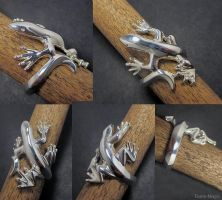 Monitor Lizard Ring by Dans-Magic
