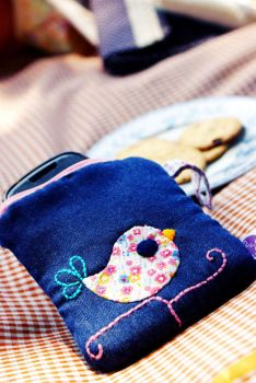 Mini Birdy Pouch by heppieyippie