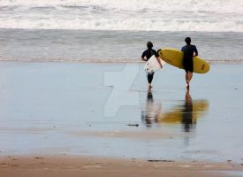 Strolling to the waves by lucyparryphotography
