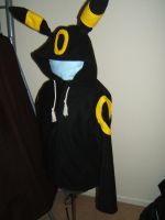 umbreon hoodie by wherlee