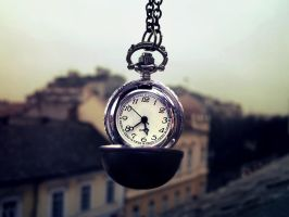 Time by dorotejabloodthirsty