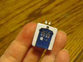 TARDIS Tile Pendant by Philyra2