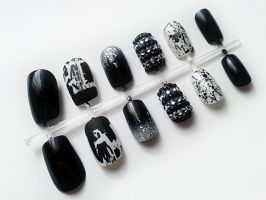 Black and White by nail-artisan