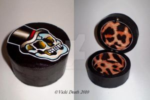 Gentleman Vampire Skull Box by Vicki-Death