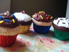 Mini Gourmet Party Cupcakes by Cinnamonster