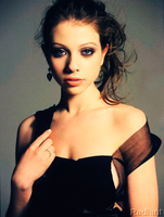 Michelle Trachtenberg by vacant-xpressi0ns