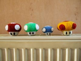 Mario Mushrooms 1 by knerdy-knits