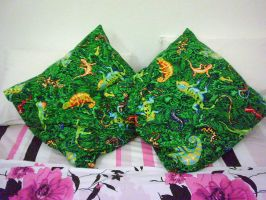 Reptile Pillowcases by Wazaga