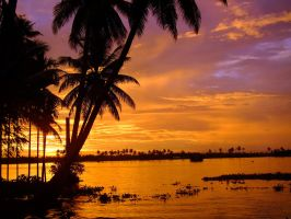 Sundown at Keralas backwaters by paguzman