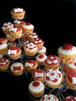 Wedding Cupcakes by Naera