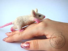 Felted Mouse by Alene