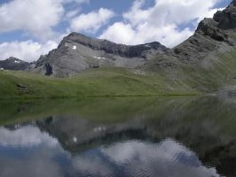 lake perrin in aosta valley by Eilesselas
