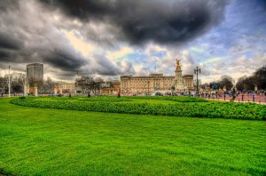 Buckingham Palace by JWalkerimages